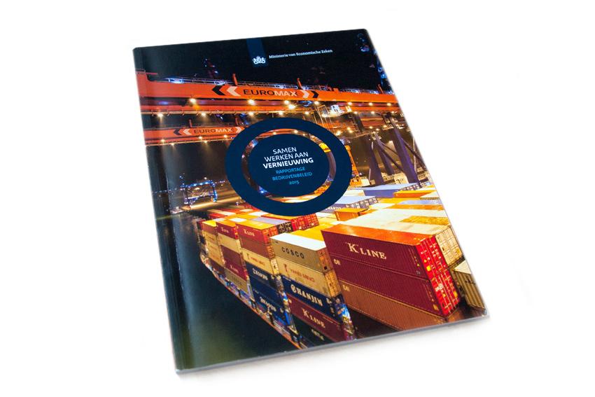Foto van omslag van boek 'Samenwerken aan vernieuwing' voor Ministerie van Economische Zaken