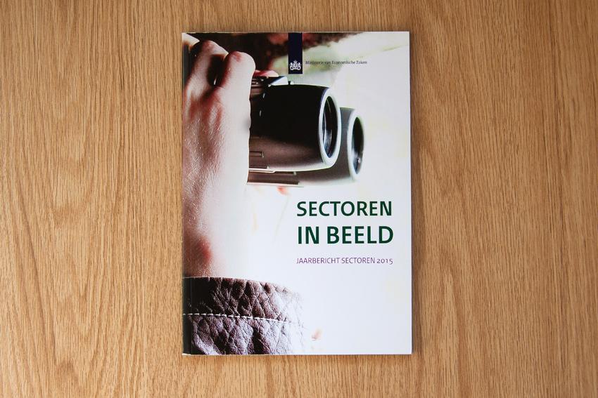 Foto van omslag van boek 'sectoren in Beeld' voor Ministerie van Economische Zaken