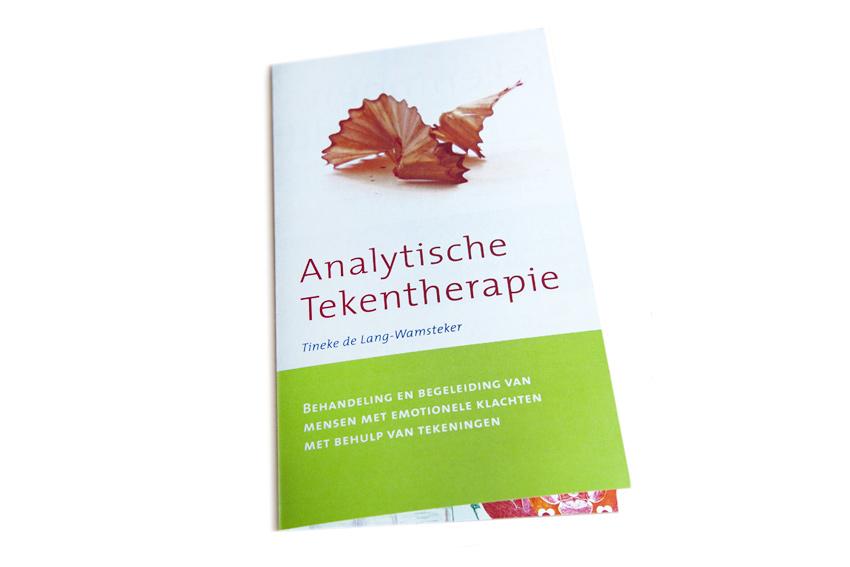 Folder voor Analytisch Tekentherapeut Tineke de Lang.