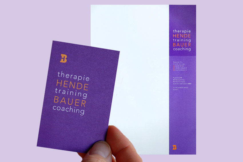 Foto van visitekaartje en briefpapier voor Hende Bauer Therapie, training, coaching.